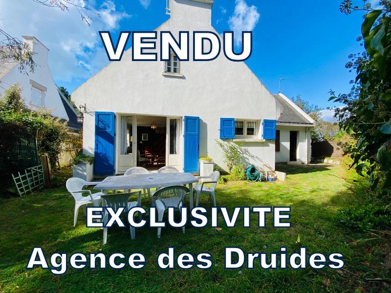A VENDRE 250m plage de Saint Colomban, maison mitoyenne de 60m² env.  2 chambre plus mezzanine. 250m² de terrain parking buanderie 56340 carnac
