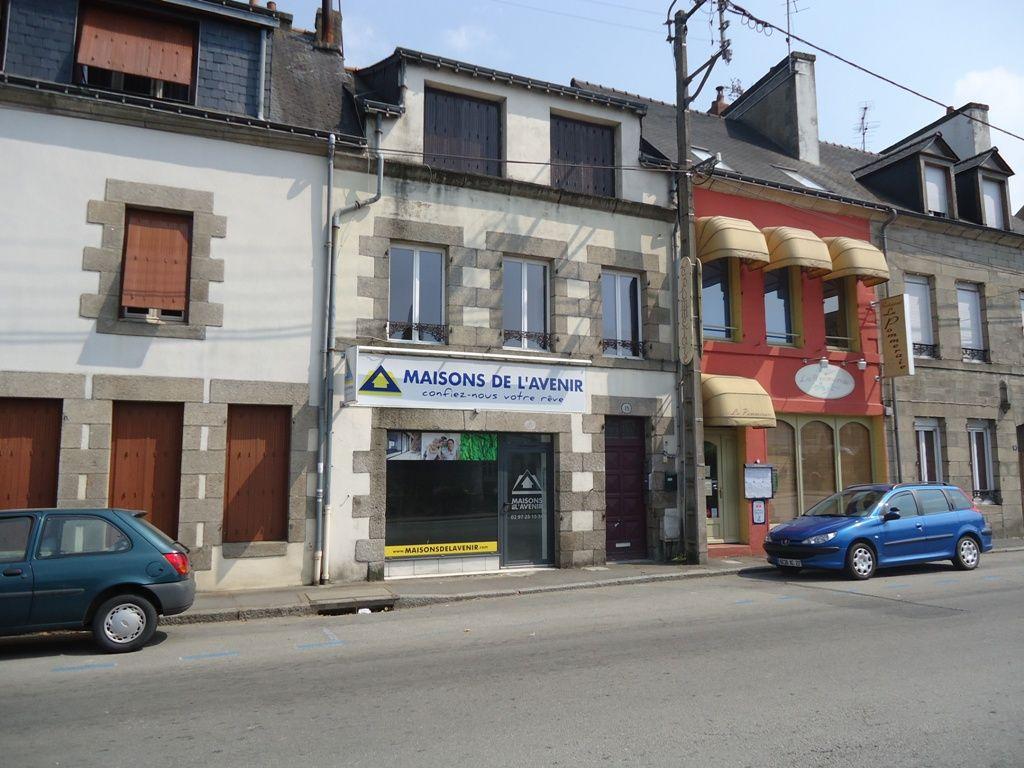 A louer Bretagne Morbihan Pontivy Bureau local professionnel ou commercial superficie de 45 m2 bord du blavet