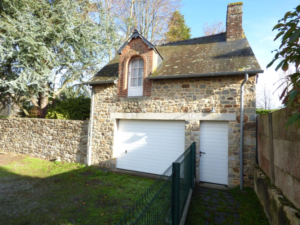 Maison de Bourg Feins 10 pièce(s) 150 m2