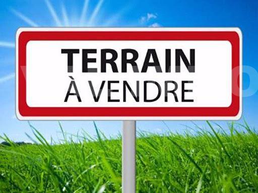 Terrain constructible viabilisé Le Drennec
