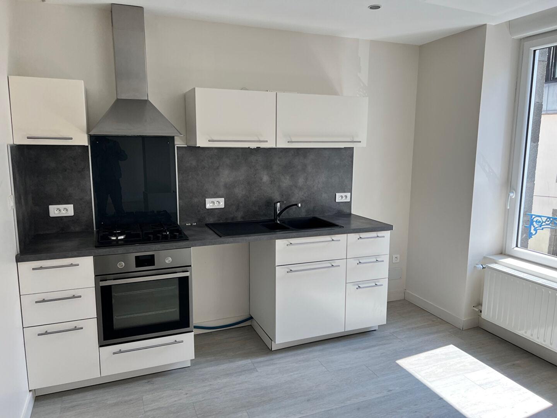 T5 - DUPLEX avec petit jardin - RUE BUGEAUD - 94.30 m²