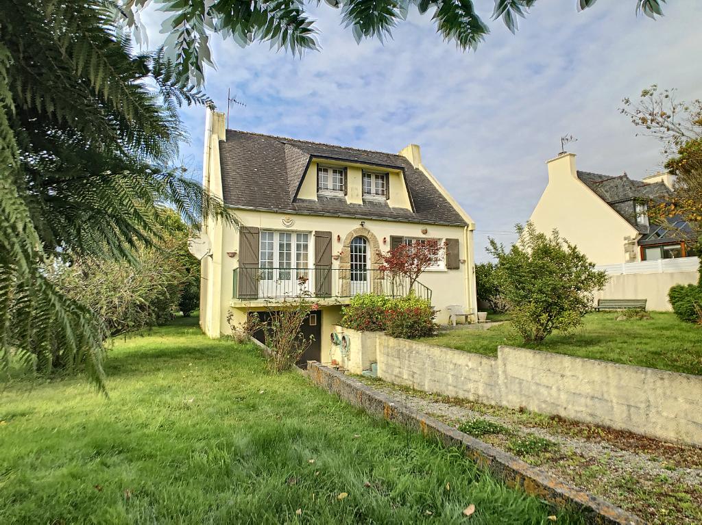 Maison Ploudalmezeau, 1800 m2 de terrain clos