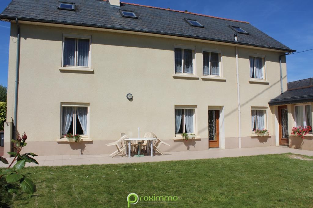 MAISON FAMILIALE DE 170 m²  AVEC HANGAR  200m² - TERRAIN ENV 3600m² ERCE EN LAMEE  ILLE ET VILAINE BRETAGNE