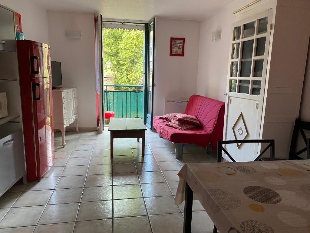 Appartement T2 meublé toutes charges comprises Bain de Bretagne centre ville