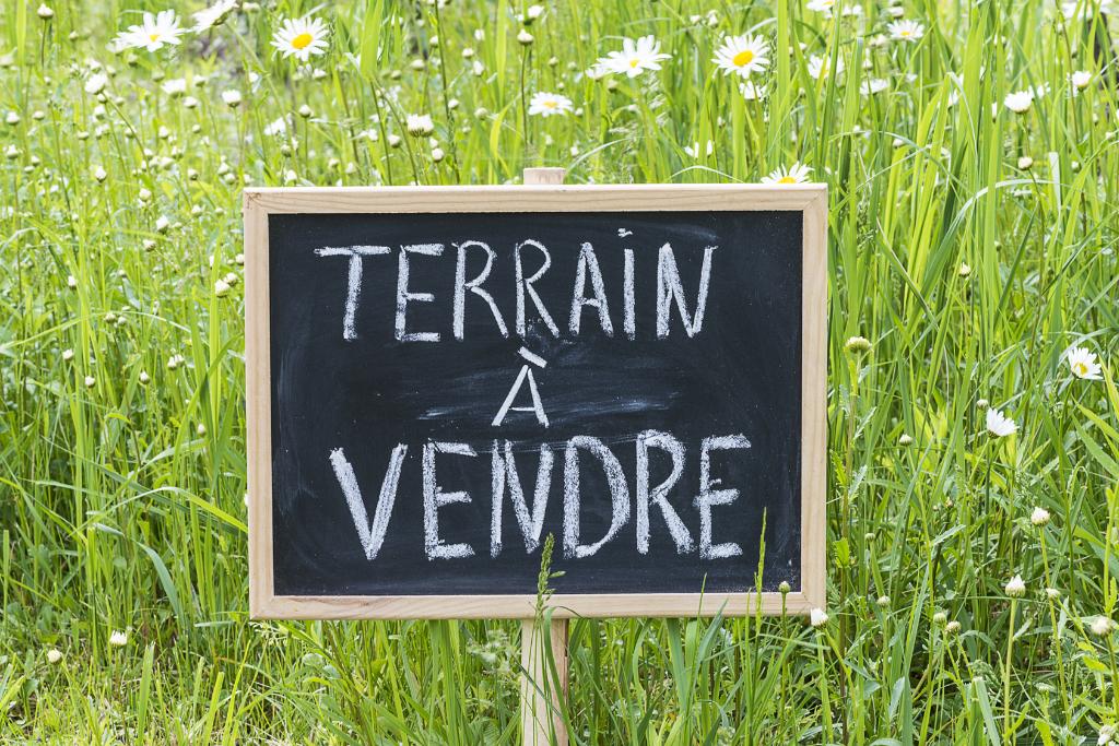 Terrain Saint Jean La Poterie 1135 m2