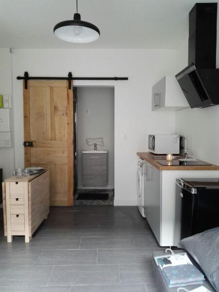 A LOUER Studio meublé avec terrasse centre ville PLOERMEL 56800 BRETAGNE MORBIHAN
