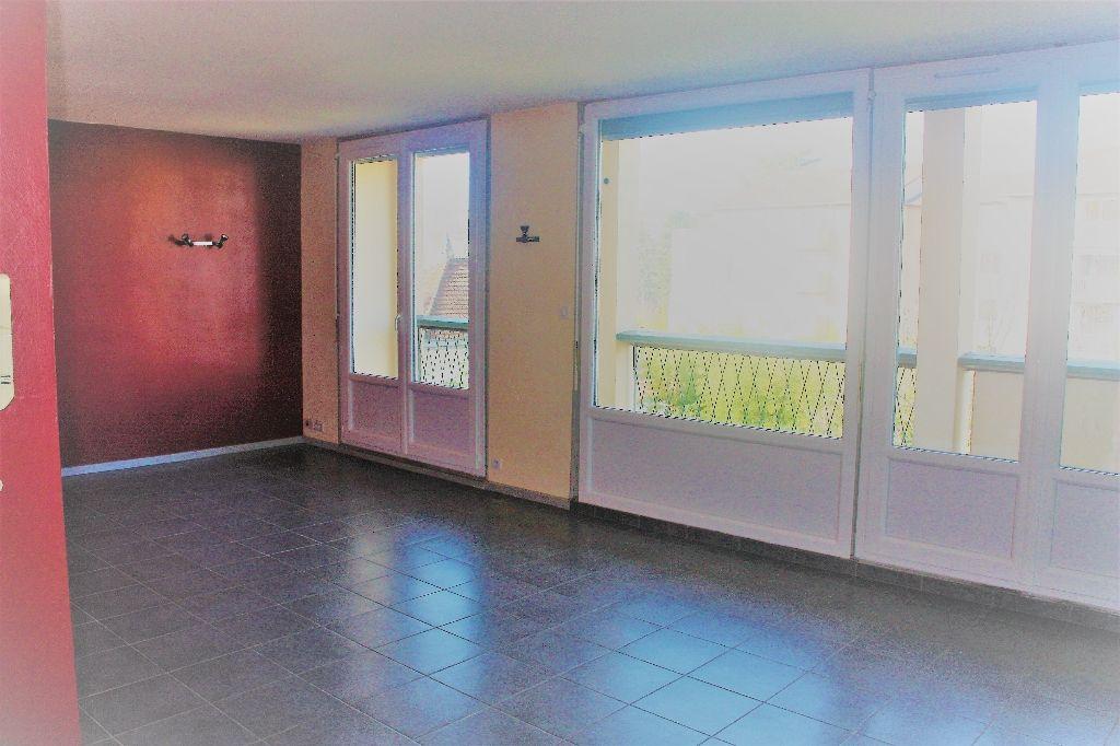 annonce vente appartement villefranche sur sa ne 69400 67 m 110 000 992738215980. Black Bedroom Furniture Sets. Home Design Ideas