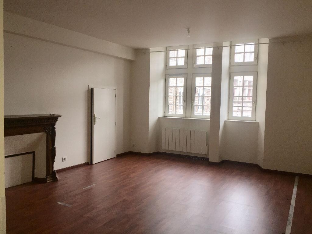 appartement saint flour 3 pi ce s 74 40 m2 saint flour 15100. Black Bedroom Furniture Sets. Home Design Ideas