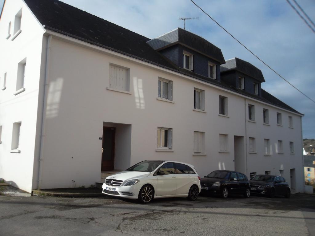 LA ROCHE BERNARD , centre