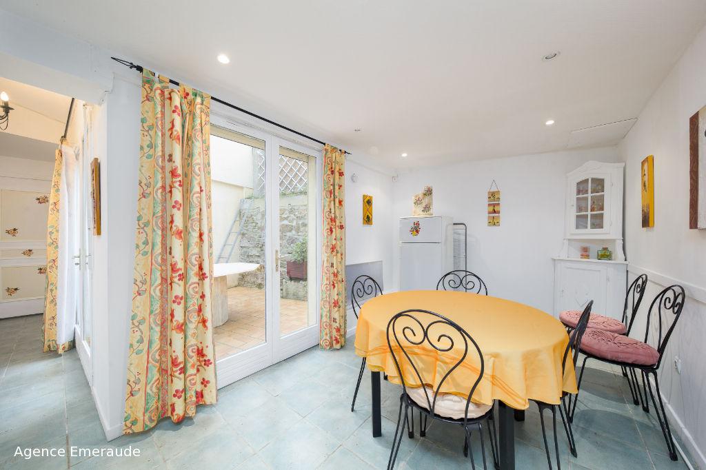 location appartement dinard 35800 3 pi ces sur le partenaire. Black Bedroom Furniture Sets. Home Design Ideas