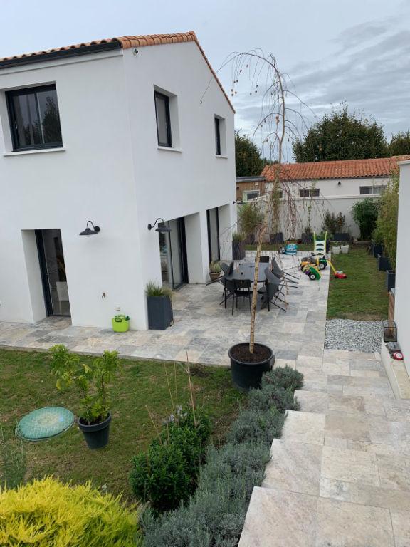 Vente maison / villa Lagord 689000€ - Photo 1