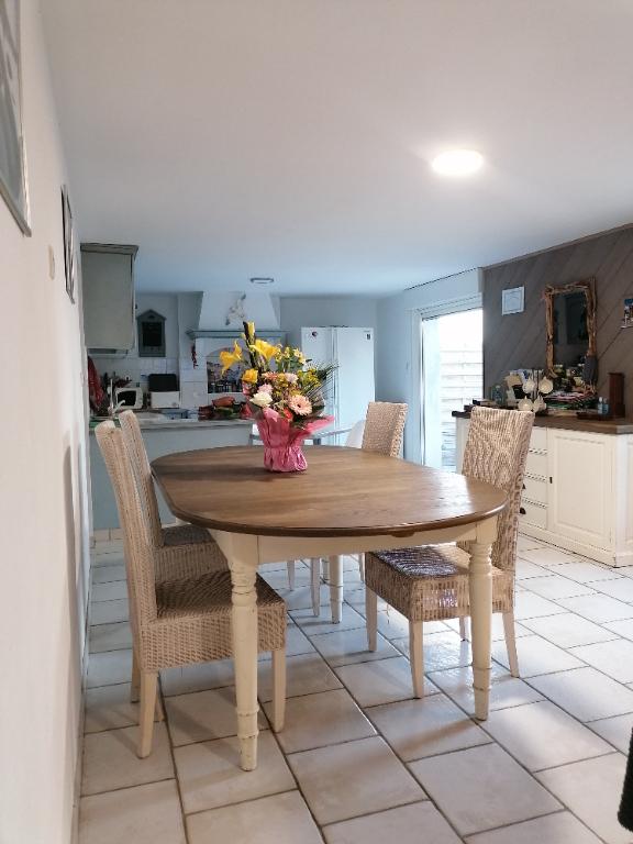 Sale house / villa Saint vivien 322000€ - Picture 1