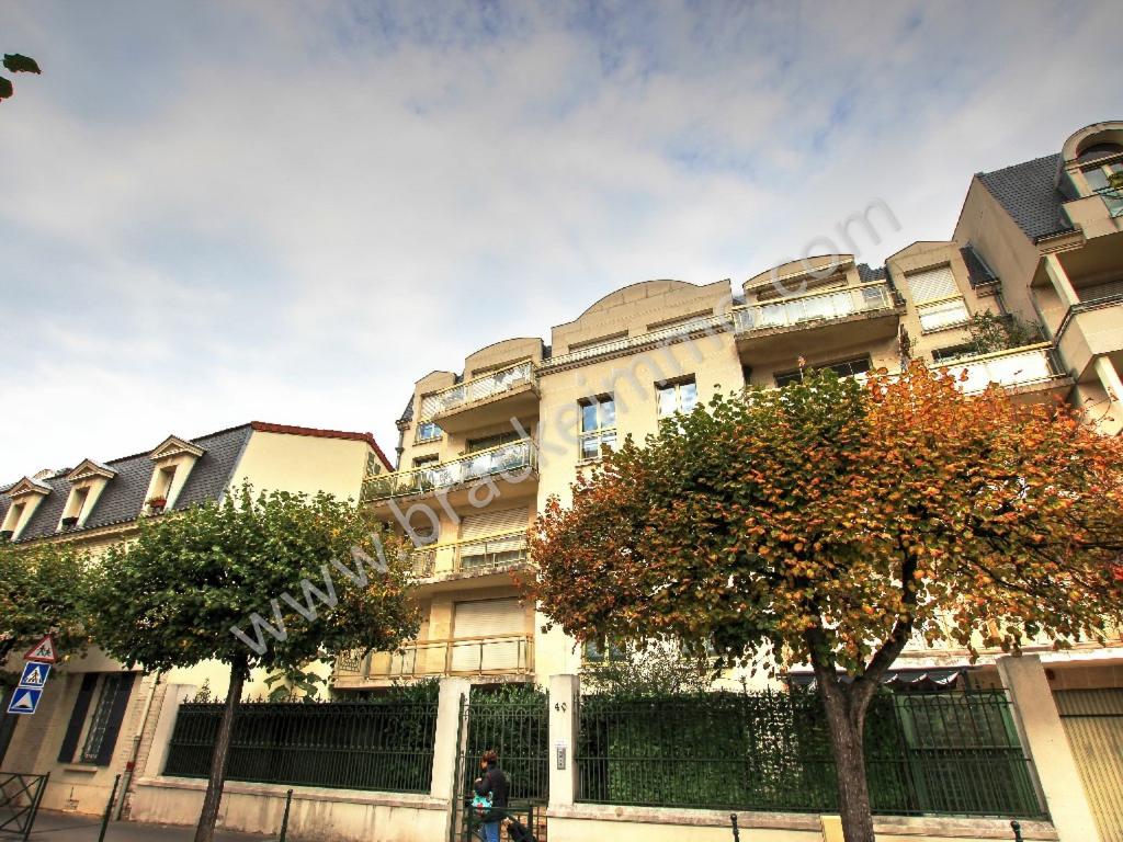 Vente Appartement de 3 pièces 70 m² - LA GARENNE COLOMBES 92250 | BRACKE IMMOBILIER COURBEVOIE - AR photo1