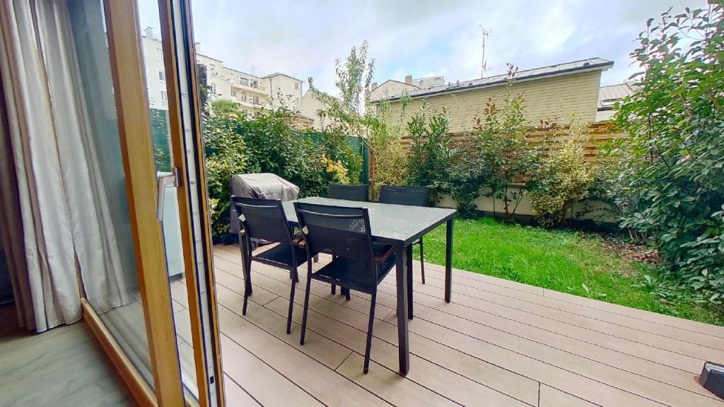 Vente Appartement de 5 pièces 126 m² - COURBEVOIE 92400 | BRACKE IMMOBILIER COURBEVOIE - AR photo2
