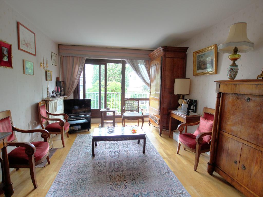 Vente Appartement de 5 pièces 98 m² - COURBEVOIE 92400 | BRACKE IMMOBILIER COURBEVOIE - AR photo3