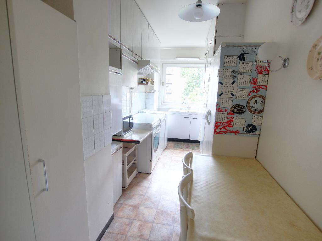 Vente Appartement de 5 pièces 98 m² - COURBEVOIE 92400 | BRACKE IMMOBILIER COURBEVOIE - AR photo6