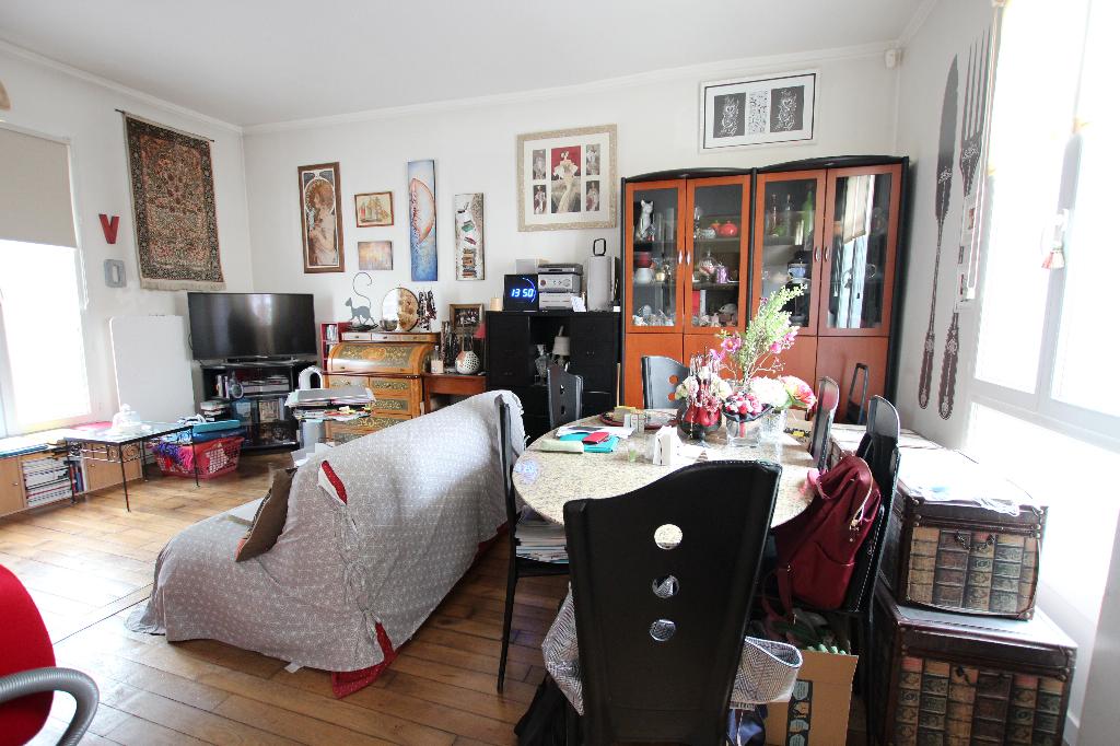 Vente Appartement de 5 pièces 93 m² - COURBEVOIE 92400   BRACKE IMMOBILIER COURBEVOIE - AR photo2
