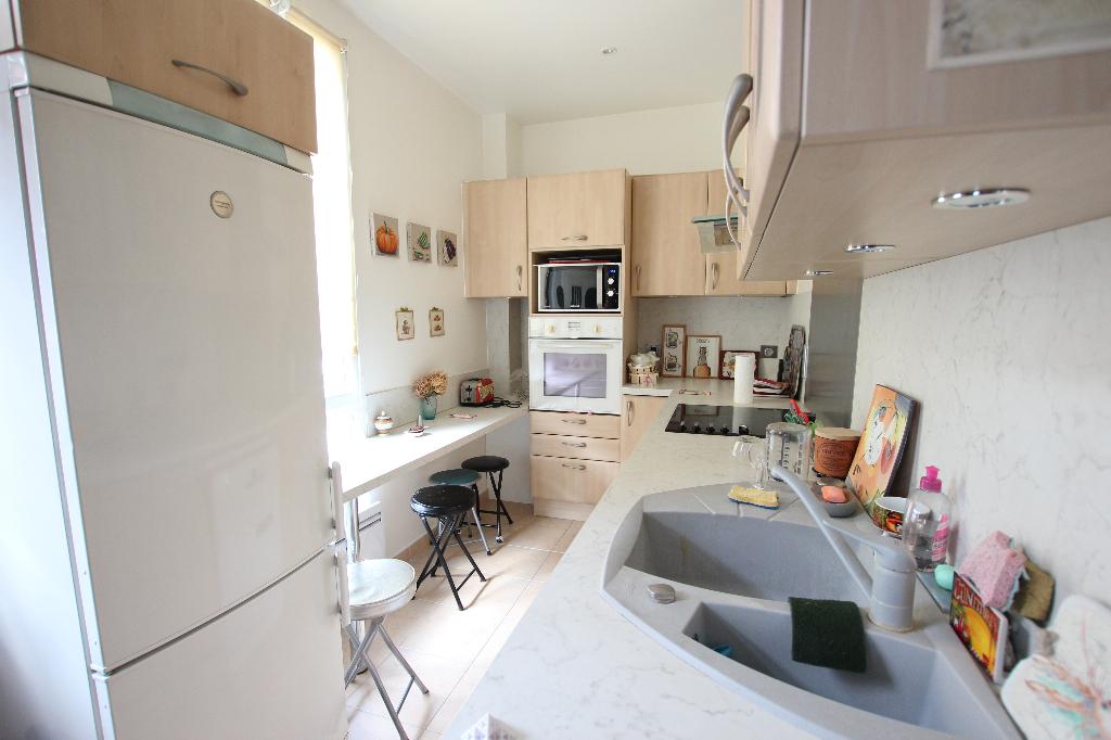 Vente Appartement de 5 pièces 93 m² - COURBEVOIE 92400   BRACKE IMMOBILIER COURBEVOIE - AR photo4