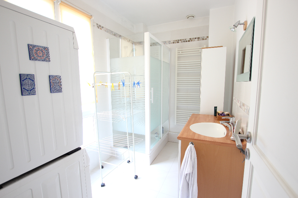 Vente Appartement de 5 pièces 93 m² - COURBEVOIE 92400   BRACKE IMMOBILIER COURBEVOIE - AR photo7