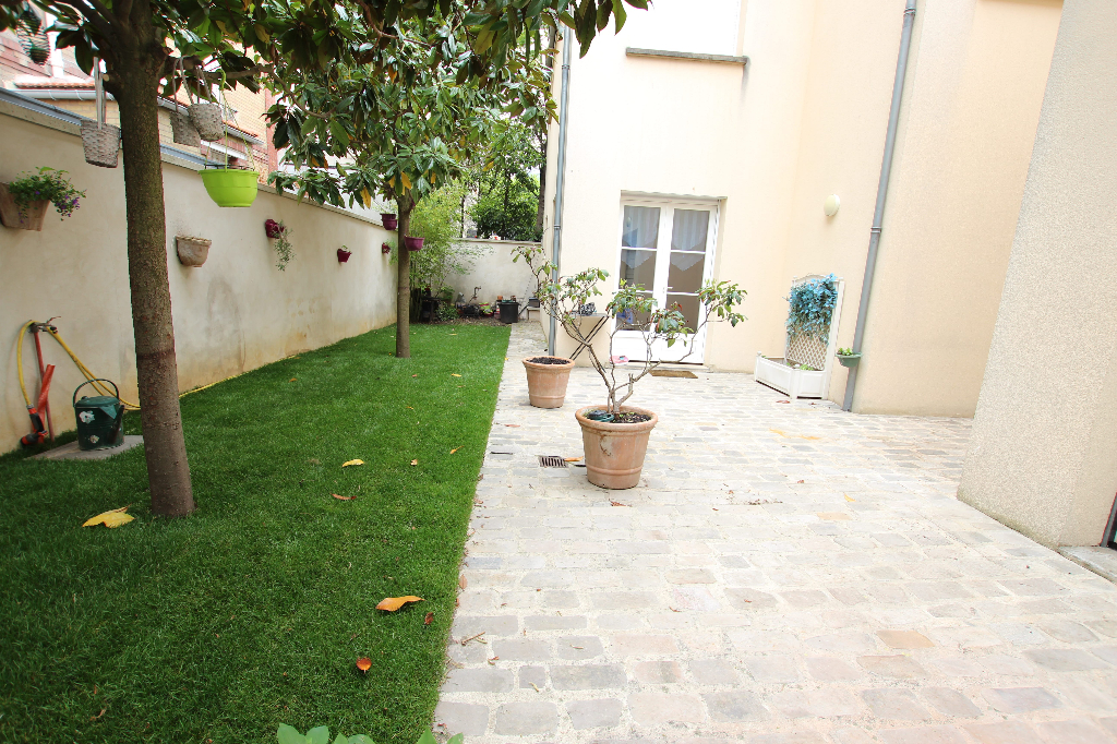 Vente Maison de 7 pièces 160 m² - COURBEVOIE 92400 | BRACKE IMMOBILIER COURBEVOIE - AR photo1