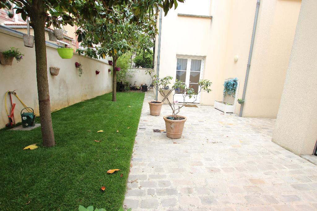 Vente Maison de 7 pièces 160 m² - COURBEVOIE 92400   BRACKE IMMOBILIER COURBEVOIE - AR photo1