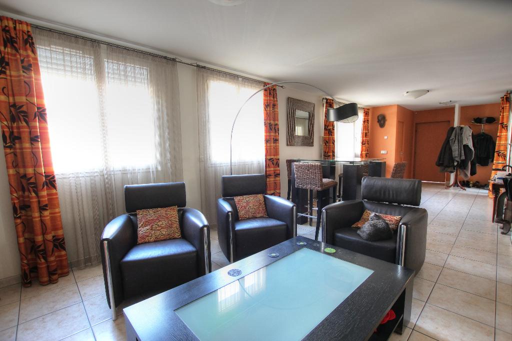 Vente Maison de 7 pièces 160 m² - COURBEVOIE 92400   BRACKE IMMOBILIER COURBEVOIE - AR photo2