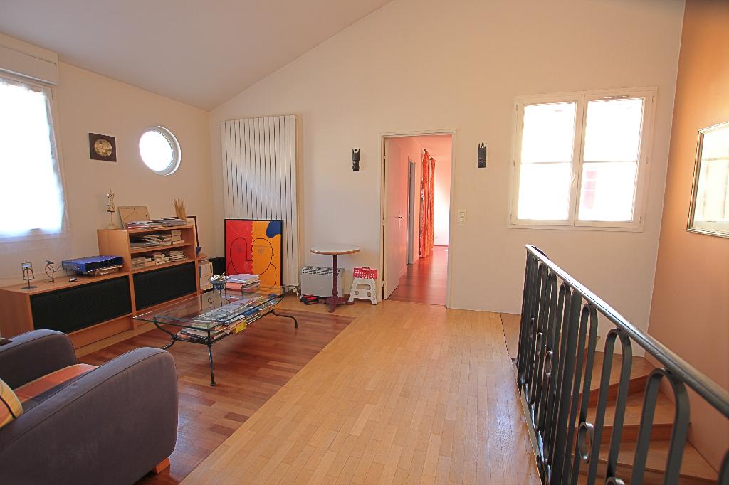 Vente Maison de 7 pièces 160 m² - COURBEVOIE 92400   BRACKE IMMOBILIER COURBEVOIE - AR photo12