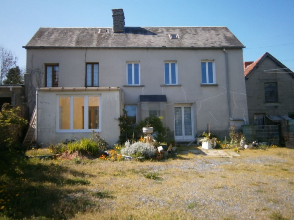 photo de A vendre un ensemble de 2 habitations