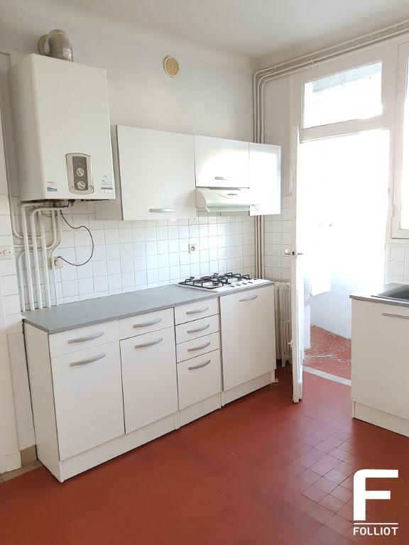 photo de Appartement A LOUER Centre ville 50000 Saint-lo 3 pièce(s) 78 m2