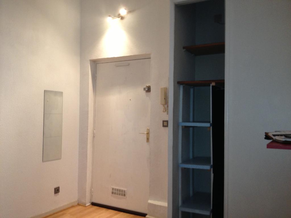Rental apartment Toulouse 383€ CC - Picture 2