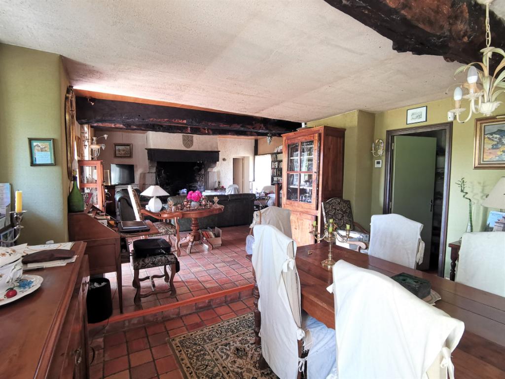 Maison T6 à Bedee REF : 63446