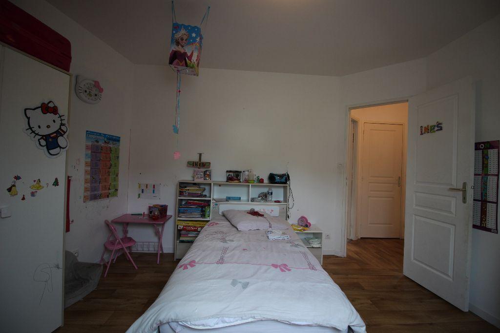 Maison T5 à Bais REF : 70084