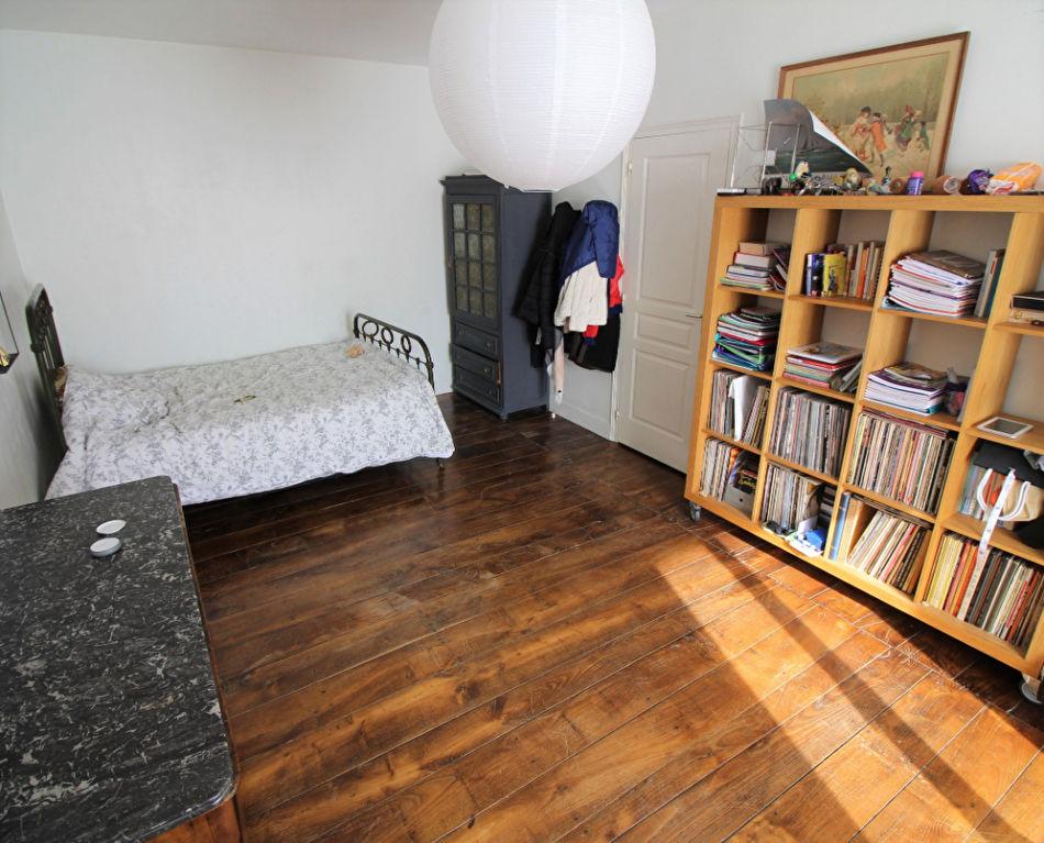 Appartement T5 à Sens de bretagne REF : 78779