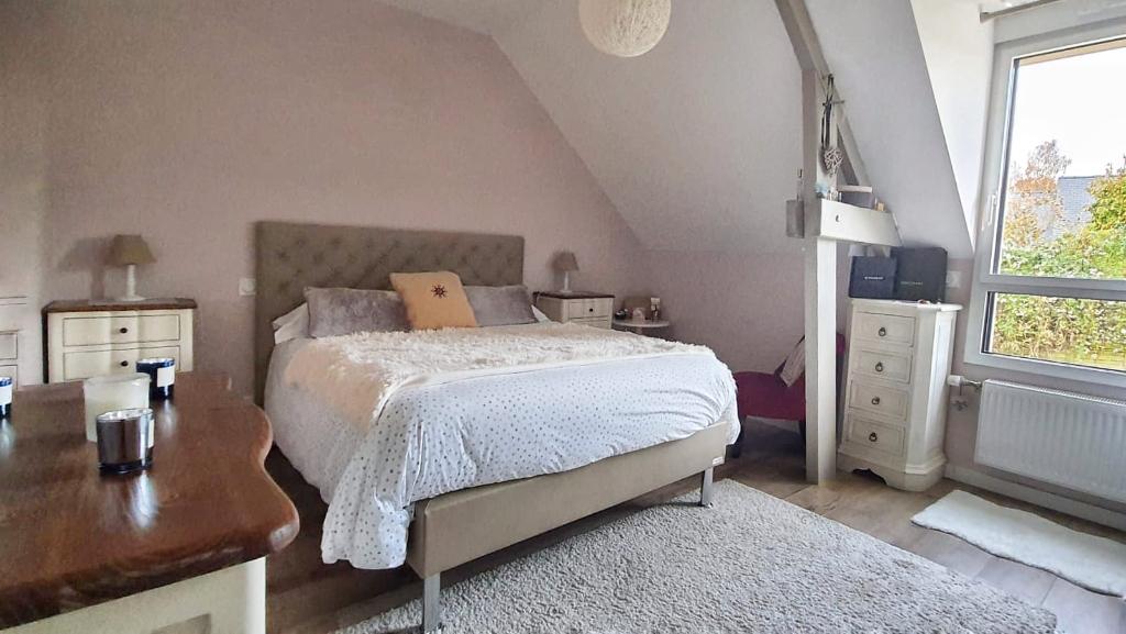 Maison T7 à Parthenay de bretagne REF : 82007