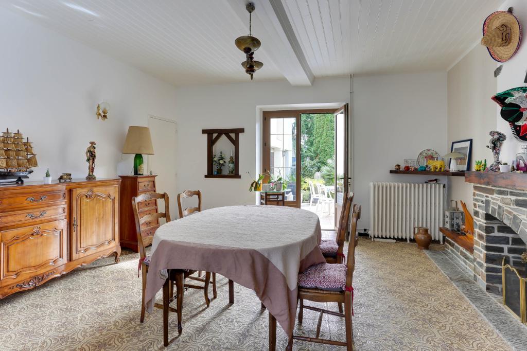 Maison T6 à Villepot