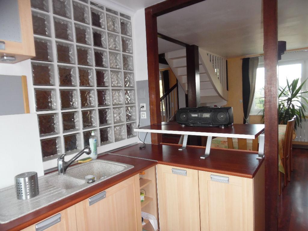 appartement a vendre 4 pi ces 101 m2 au 3 me et dernier. Black Bedroom Furniture Sets. Home Design Ideas