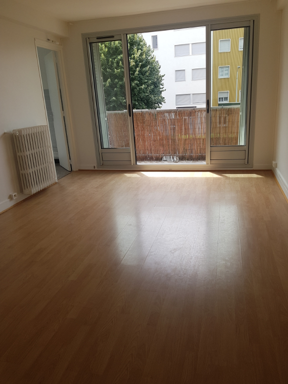 Rental apartment Malakoff 1 225€ CC - Picture 1