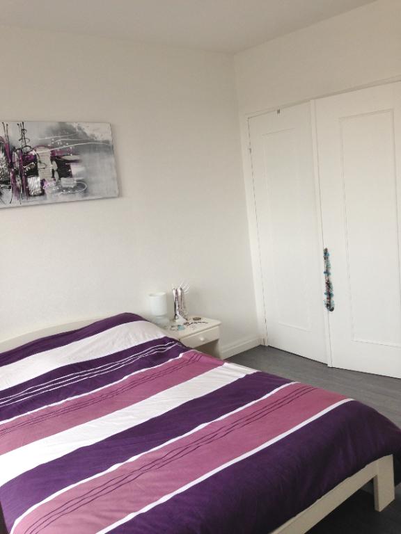 Rental apartment Le plessis trevise 945€ CC - Picture 2