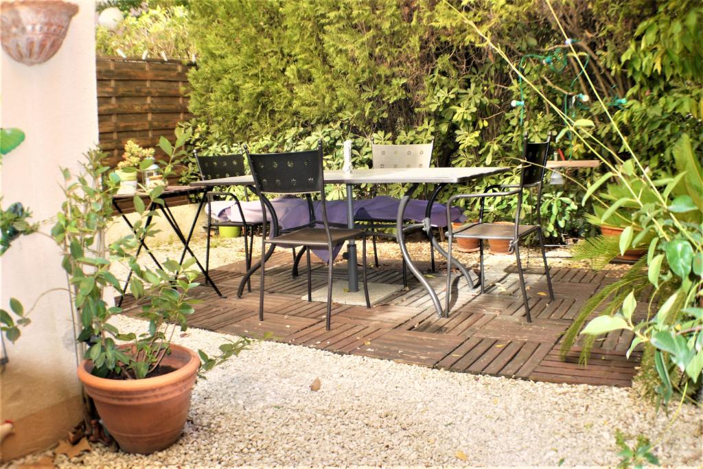 T3/4 en rez-de-jardin. Vallon de Toulouse. 74.03 M² hab + Jardin