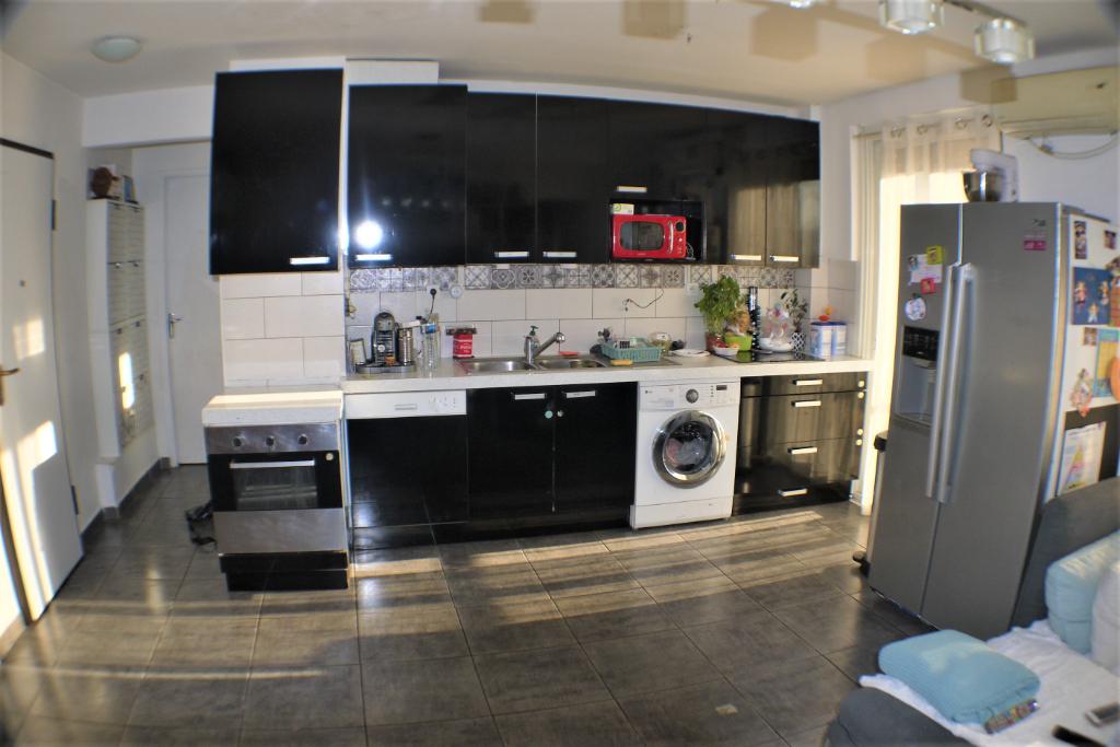 Sale apartment Marseille 9ème 147000€ - Picture 2