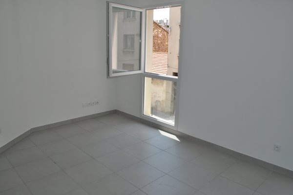 Rental apartment Marseille 5ème 446€ CC - Picture 3