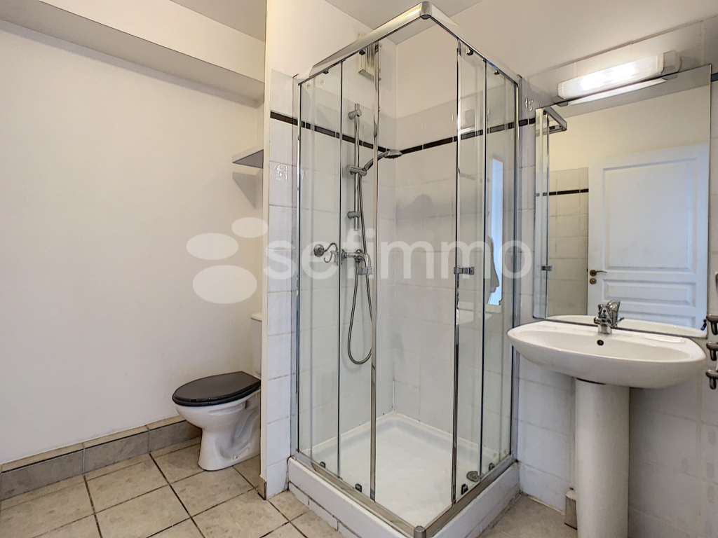 Location appartement Marseille 5ème 502€ CC - Photo 5