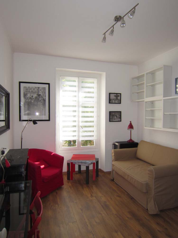 Location appartement Paris 9ème 926€ CC - Photo 3