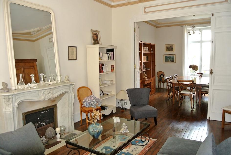 belle demeure de 334m2 proche centre saint brieuc 22000. Black Bedroom Furniture Sets. Home Design Ideas