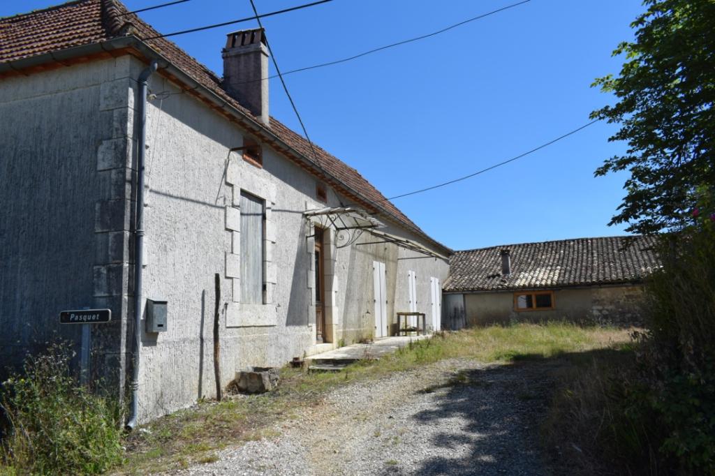 Ancienne Ferme avec maison et grange à restaurer