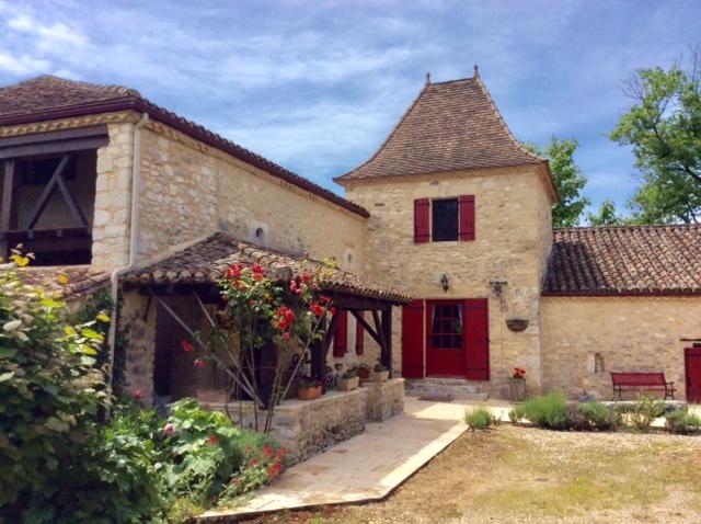 Maison en pierre à côté de Villereal