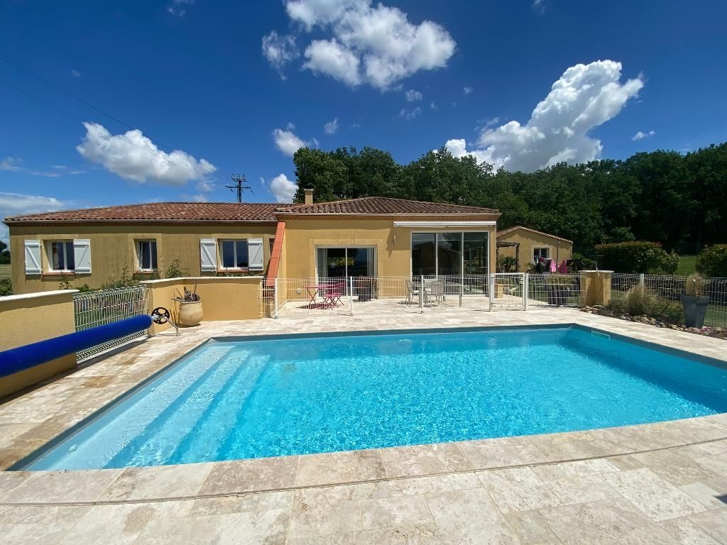 Belle villa avec piscine & vue