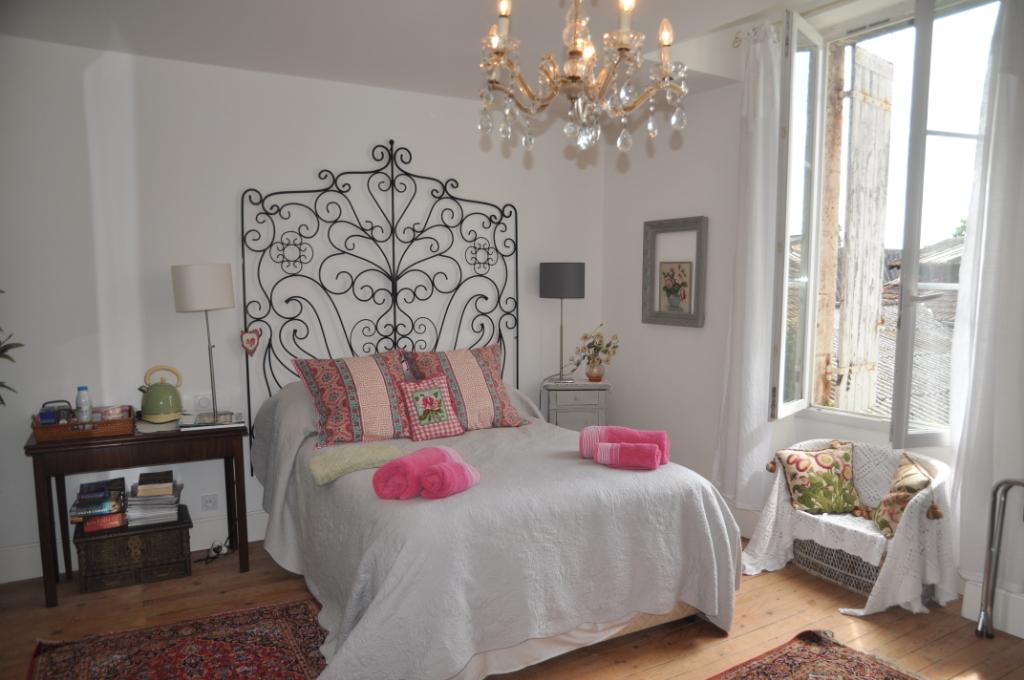 Maison Bourgeoise avec 6 chambres et jardin