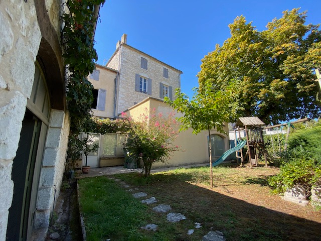 Beautiful property in the heart of a medieval village