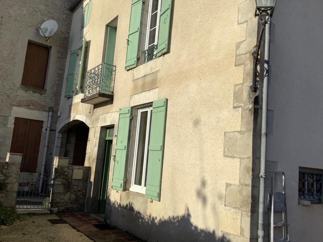 Maison mitoyenne meublée - 4 pièce(s) - 100.00 m2